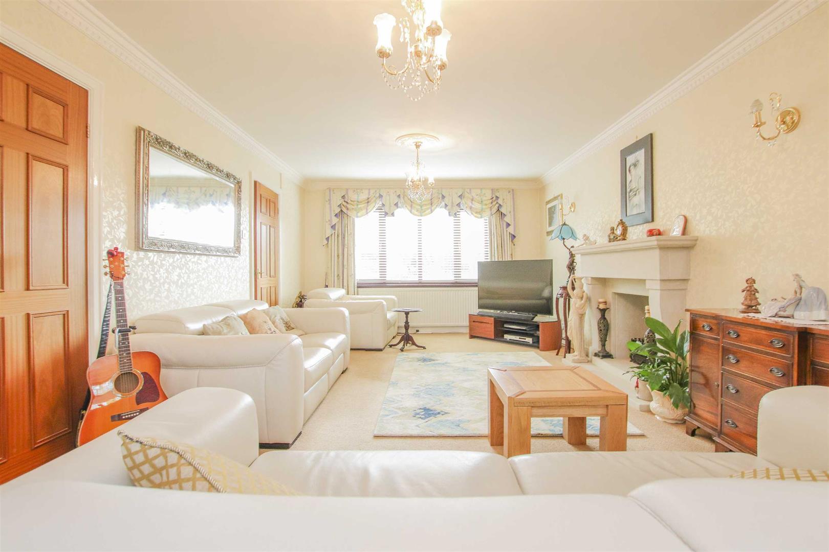 4 Bedroom Detached House For Sale - Image 12